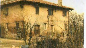 Rustico-casale con fienile e 1800 mq. giardino